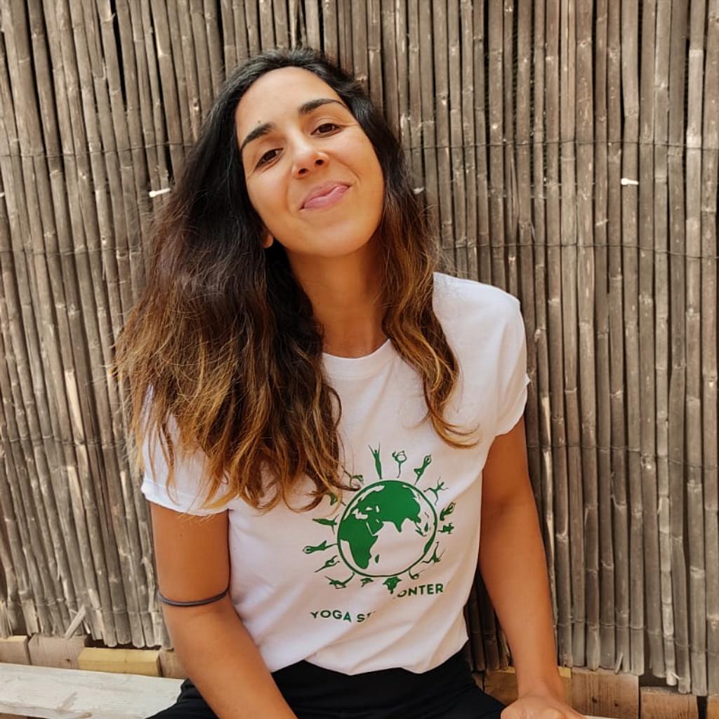 Voluntaria de Yoga Sin Fronteras