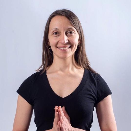 Profesora de Yoga Sin Fronteras
